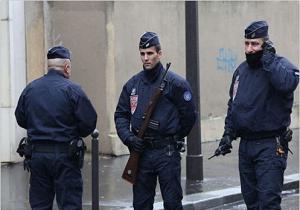 حالت اضطراری در فرانسه فعلا برداشته نمی شود